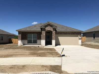 Cibolo Single Family Home For Sale: 516 Swift Move