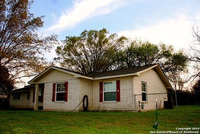 Castroville Single Family Home For Sale: 1703 Athens St