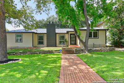 Terrell Hills Single Family Home For Sale: 208 Lilac Ln