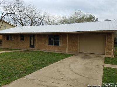 Jourdanton Single Family Home For Sale: 310 Cedalia Ave