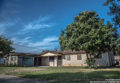 Schertz Single Family Home For Sale: 1106 Chestnut Dr