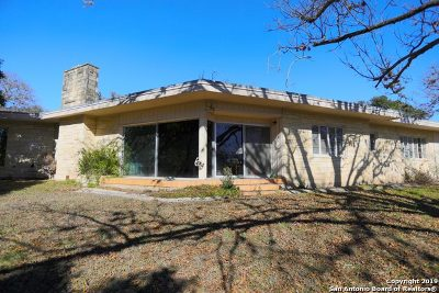 Kerrville Single Family Home For Sale: 600 W Water St N
