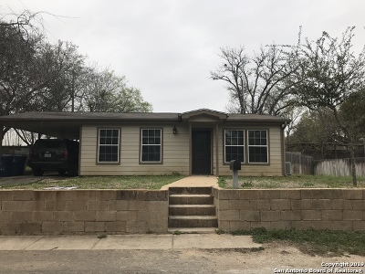 Atascosa County Single Family Home For Sale: 109 Haley Dr