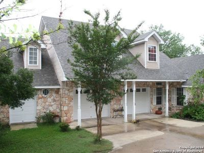 New Braunfels Rental For Rent: 1401 White Water Rd