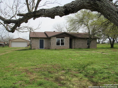Adkins Single Family Home Active Option: 7020 Pittman Rd