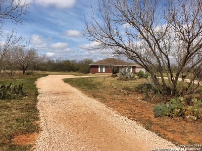 Atascosa County Single Family Home Active Option: 8180 Fm 2146