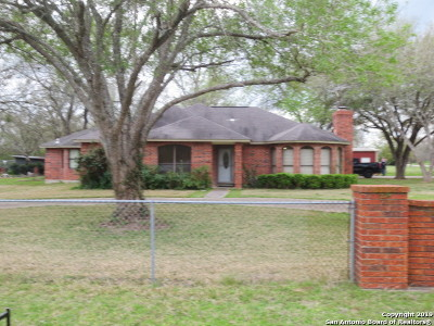 Seguin Single Family Home New: 105 Quail Run