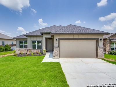 Floresville Single Family Home New: 108 Grand Vw