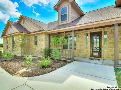 Floresville Single Family Home Price Change: 136 Abrego Lake Dr