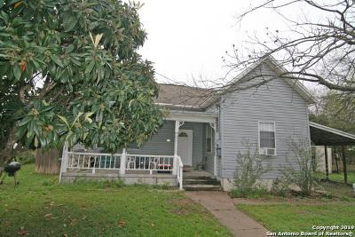 Hondo Single Family Home New: 1114 Avenue K