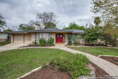 Terrell Hills Single Family Home Active Option: 1015 Canterbury Hill St