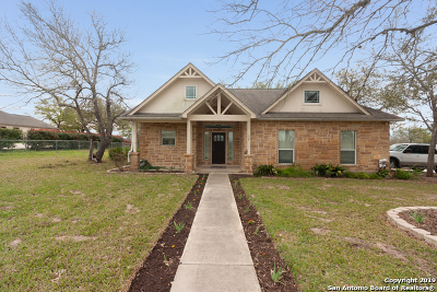 Floresville Single Family Home New: 108 Carrizo Ridge