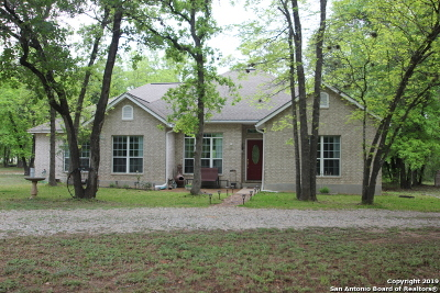 La Vernia Single Family Home Active Option: 250 Hickory Run
