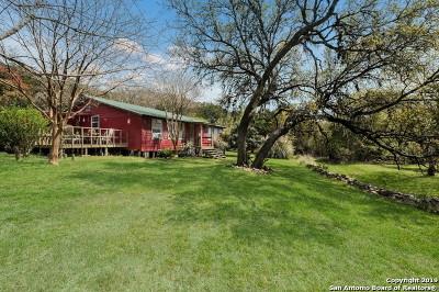Kerrville Single Family Home For Sale: 172 Ben Denton Hollow S