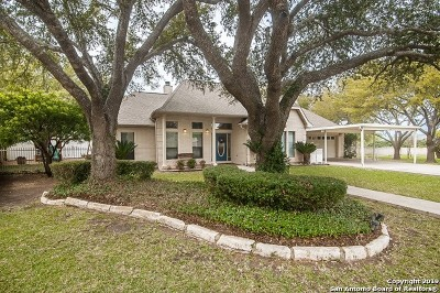Guadalupe County Single Family Home New: 704 River Oak Dr