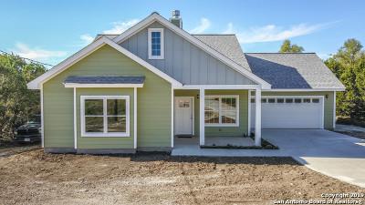 Canyon Lake Single Family Home For Sale: 2645 Rocky Ridge Loop