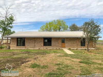 Atascosa County Single Family Home New: 16360 W Highway 97