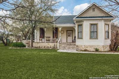 Boerne Single Family Home New: 136 W Evergreen St