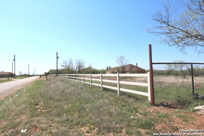 La Vernia Residential Lots & Land New: 2741 1.5 Acres County Road 357