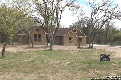 La Vernia, Marion, Adkins, Floresville, Stockdale Single Family Home Active Option: 149 Cibolo Ridge Dr