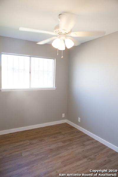 Single Family Home New: 5814 Castle Lk