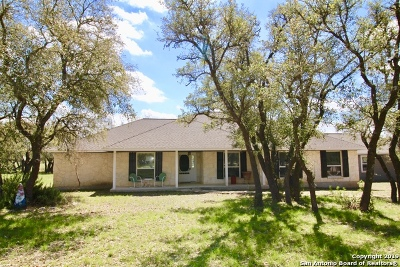 Pipe Creek Single Family Home New: 368 Oak Hills Rd