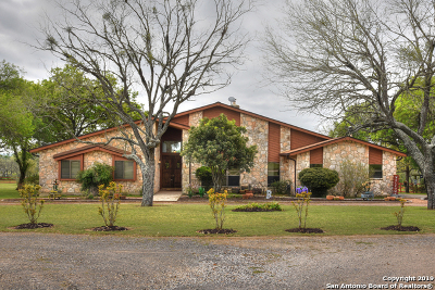 La Vernia, Marion, Adkins, Floresville, Stockdale Single Family Home Active Option: 11835 Fm 467