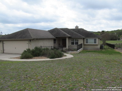 Canyon Lake Single Family Home For Sale: 484 Shayla Ln