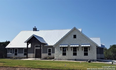 New Braunfels Single Family Home New: 825 Oak Bluff Trail