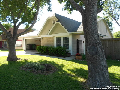 San Antonio Single Family Home New: 10423 Country Bluff