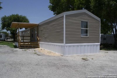 San Antonio Manufactured Home For Sale: 102 Kirby Heights St
