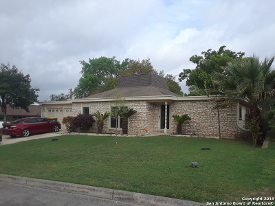 Live Oak Single Family Home For Sale: 205 Whispering Oaks St
