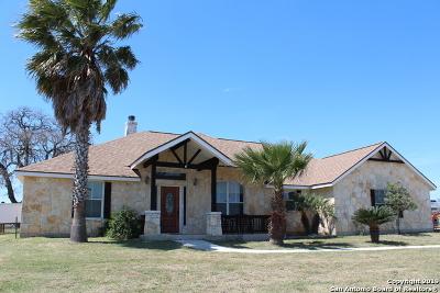 La Vernia Single Family Home Active Option: 118 Scenic Hills Dr