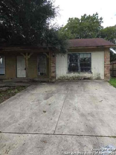 Converse Single Family Home Active Option: 121 Meadow St