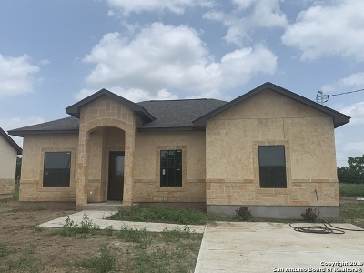 Atascosa County Single Family Home Price Change: 208 Ala Blanca Dr