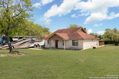 Kendall County Single Family Home Active Option: 105 Mountain View Trail