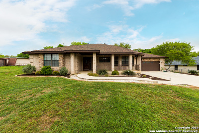 Cibolo Single Family Home For Sale: 200 Green Valley Loop