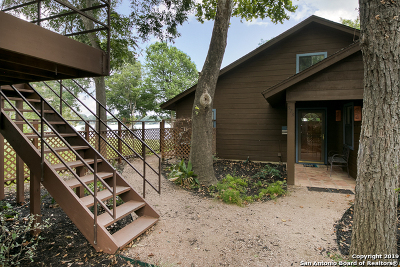 Guadalupe County Single Family Home Active Option: 573 Ski Lodge Rd