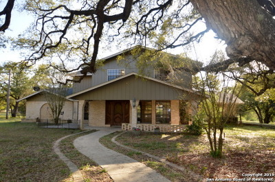 Floresville TX Single Family Home For Sale: $439,000