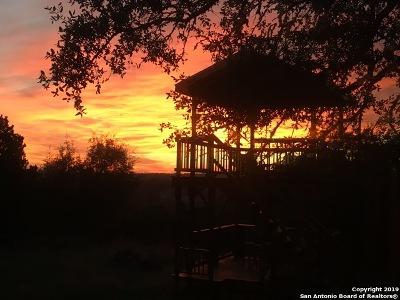 Boerne Single Family Home Back on Market: 104 Highland Woods