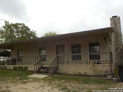 Adkins Single Family Home For Sale: 326 Twin Oak