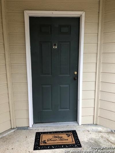 Condo/Townhouse Active Option: 11610 Vance Jackson Rd #863
