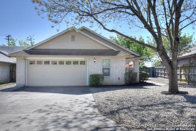 Kerrville Single Family Home Active Option: 2516 Boyington Ln