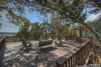 Canyon Lake Single Family Home Active Option: 2092 Lakeshore Dr