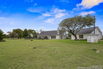 Boerne Single Family Home Active Option: 129 Juniper Ln
