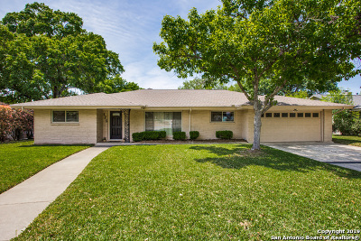 Castle Hills Single Family Home Active Option: 125 Twinleaf Ln