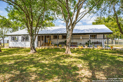 Floresville Farm & Ranch For Sale: 604 Fm 2579
