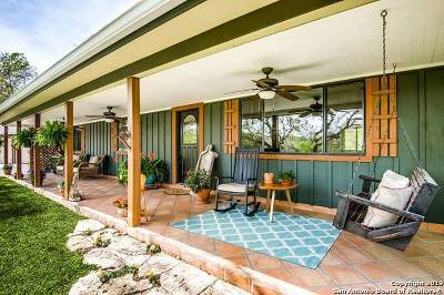 Boerne Single Family Home For Sale: 12 Waring Welfare Rd