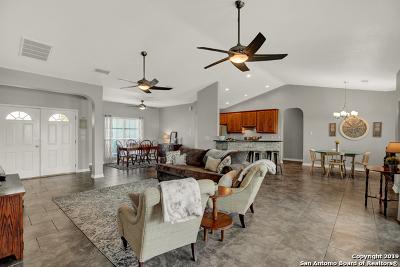 Seguin Single Family Home Active Option: 120 Castle Breeze Dr