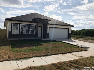 Converse Single Family Home For Sale: 9614 Autumn Pl